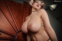 Tessa-Fowler-Big-Tit-Pussycat-023