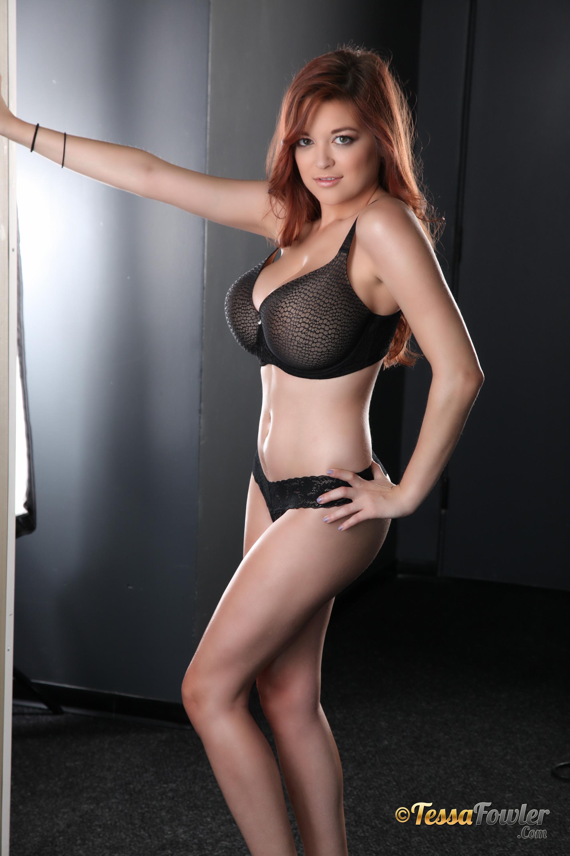 Tessa Fowler Big Tits Black Bra And Panties Feel The