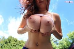 Tessa Fowler Huge Tits Get Wet 07