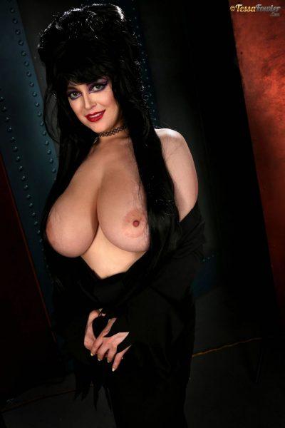 Tessa-Fowler-is-Huge-Tit-sexy-vampire-002