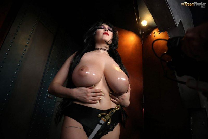 Tessa-Fowler-is-Huge-Tit-sexy-vampire-033