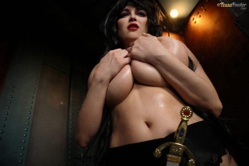 Tessa-Fowler-is-Huge-Tit-sexy-vampire-043
