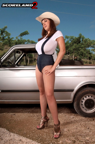 Valory-Irene-Big-Tits-on-the-Ranch-003