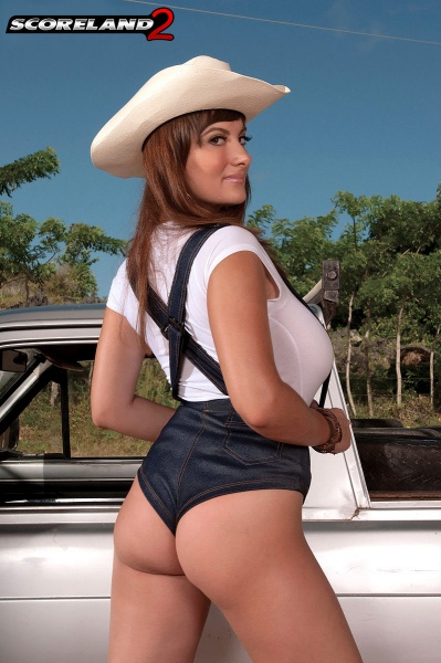 Valory-Irene-Big-Tits-on-the-Ranch-006