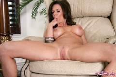 Veronica Avluv Big Boobs in Black and Pink Lingerie 014