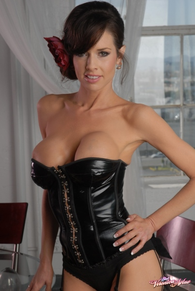 Veronica-Avluv-Big-Tits-in-Shiny-Black-Corset-and-Fishnet-Stockings-001