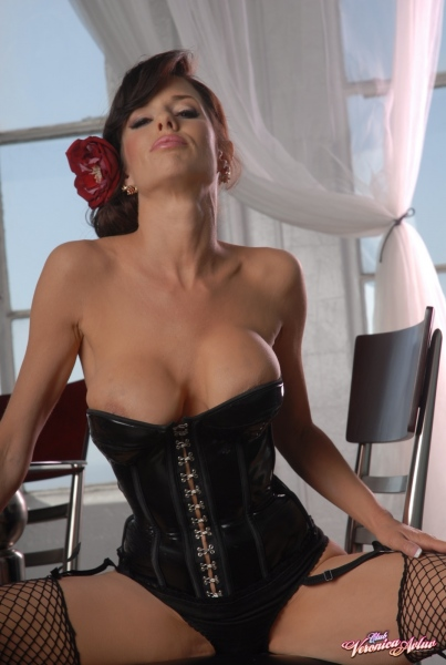 Veronica-Avluv-Big-Tits-in-Shiny-Black-Corset-and-Fishnet-Stockings-019