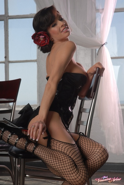 Veronica-Avluv-Big-Tits-in-Shiny-Black-Corset-and-Fishnet-Stockings-029