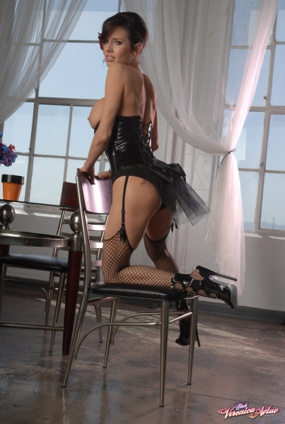 Veronica-Avluv-Big-Tits-in-Shiny-Black-Corset-and-Fishnet-Stockings-046