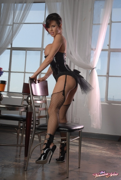 Veronica-Avluv-Big-Tits-in-Shiny-Black-Corset-and-Fishnet-Stockings-047