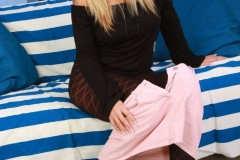 Veronika-big-tits-in-a-wonderful-short-pink-skirt-with-patterned-opaque-tights-006