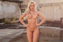Victoria Angel Big Boobs Hot Concrete Jungle 006