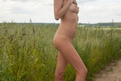 Victoria-K-Big-Tits-out-in-the-Field-for-Body-in-Mind-005