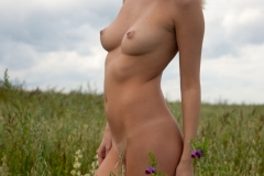 Victoria-K-Big-Tits-out-in-the-Field-for-Body-in-Mind-009