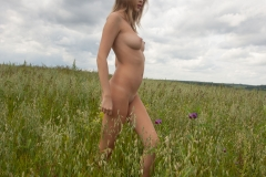 Victoria-K-Big-Tits-out-in-the-Field-for-Body-in-Mind-012