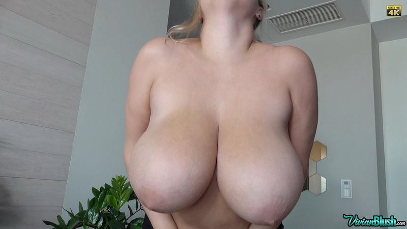 Vivian-Blush-Huge-Tits-in-Sexy-Black-Bra-013