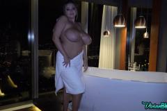 Vivian-Blush-Huge-Tit-Bathtime-012