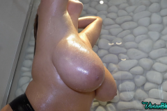 Vivian-Blush-Huge-Tit-Shower-012