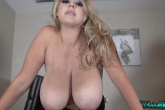 Vivian-Blush-Huge-Tits-on-Reception-011