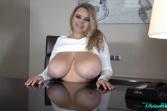 Vivian-Blush-Huge-Tits-on-Reception-013