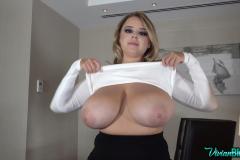 Vivian-Blush-Huge-Tits-on-Reception-017