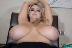 Vivian-Blush-Huge-Tits-on-Reception-020