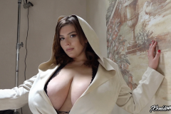 Xenia-Wood-Huge-Ttis-Hanging-Out-in-Hoodie-002