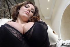 Xenia-Wood-Huge-Ttis-Hanging-Out-in-Hoodie-007