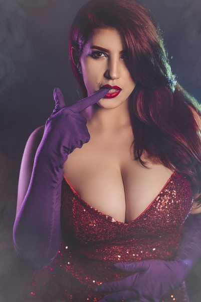 YoselinUnicorn-Shows-Huge-Cleavage-in-Red-Dress-001