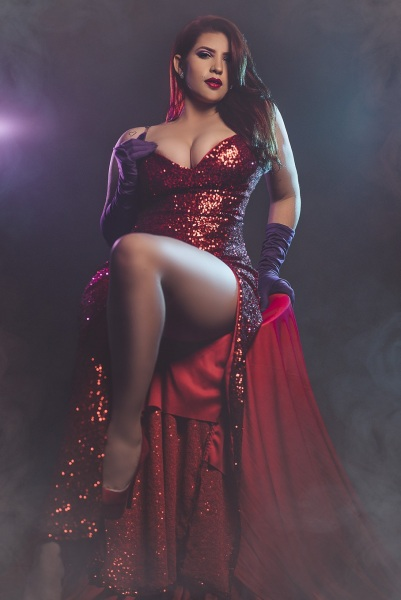 YoselinUnicorn-Shows-Huge-Cleavage-in-Red-Dress-002