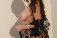 Yurizan Beltran Big Tits Come Out of Her Bra on the Roof 161