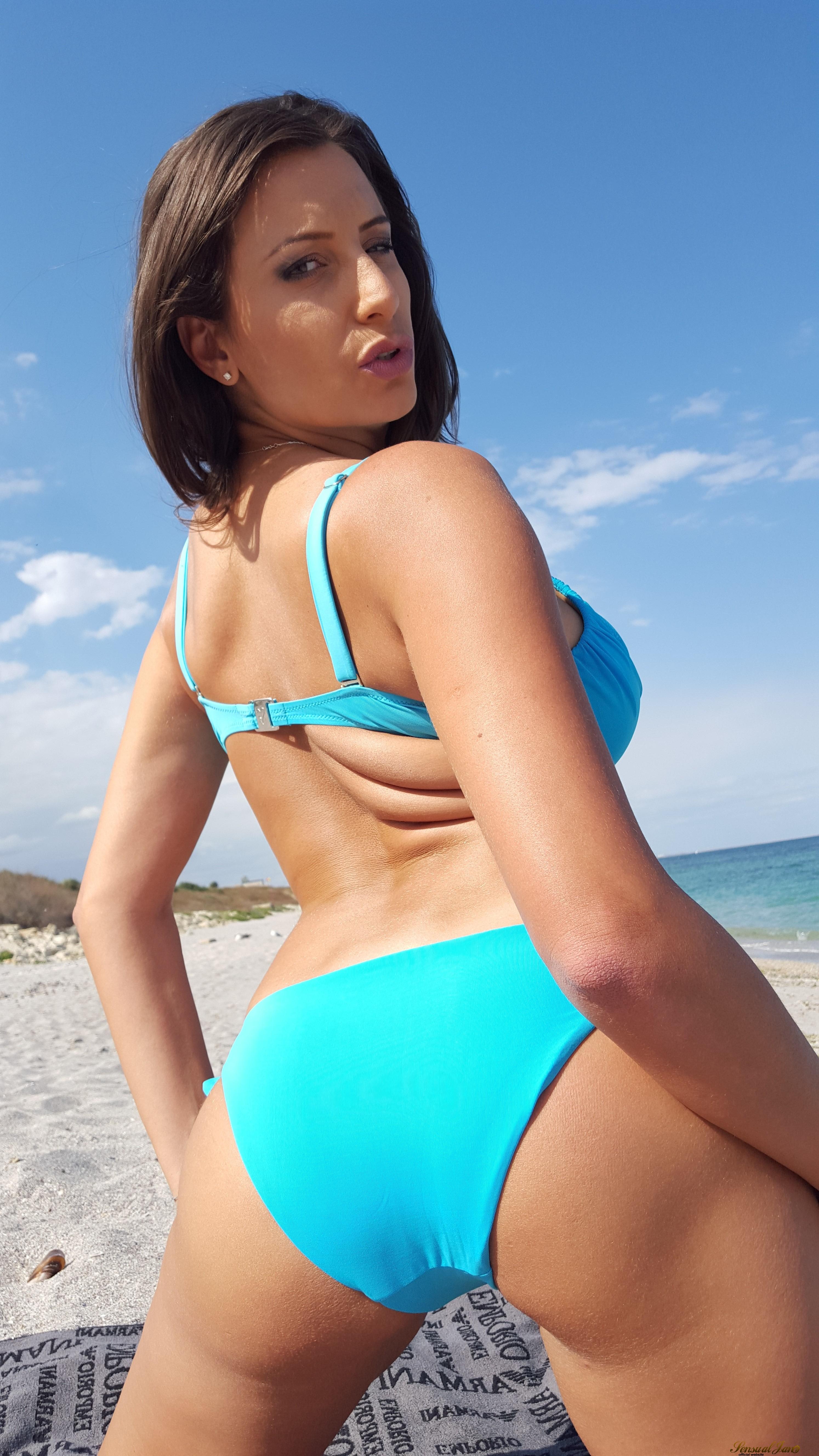 Sensual Jane Big Tits Blue Bikini