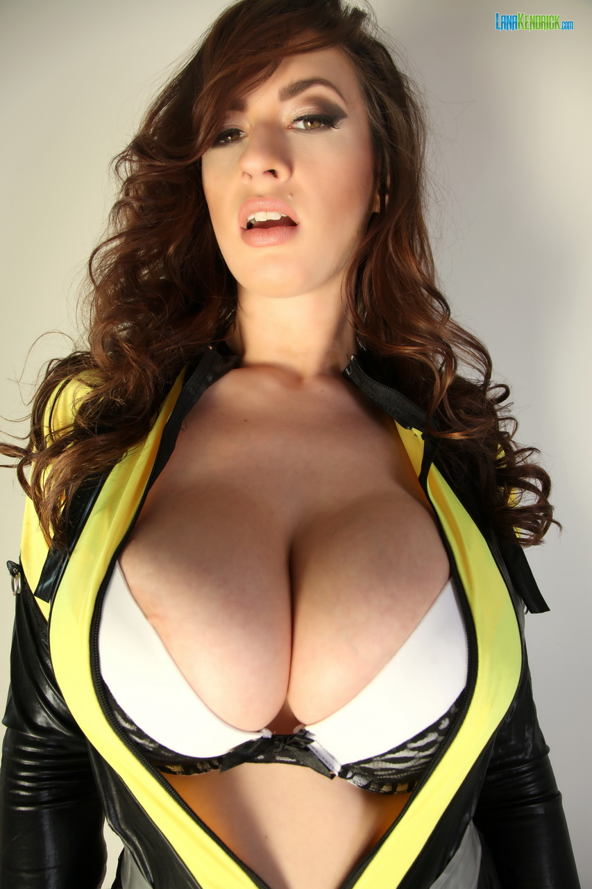 Lana Kendrick Huge Tit Cosplay