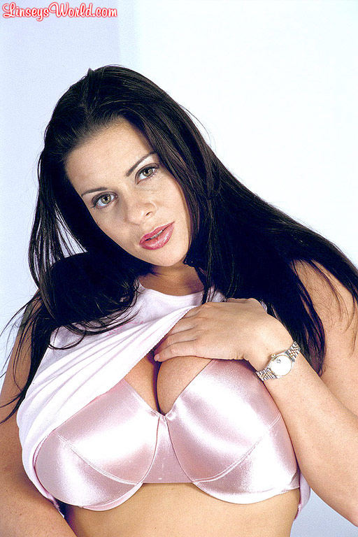 Linsey Dawn McKenzie Huge Boobs in Silky Pink Bra