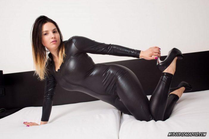 Talia Amanda Huge Tits in Black Latex Catsuit