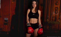 Paris Big Tit Boxing Babe for Photodromm