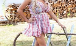 Katie Thornton Huge Tits in Little Summer Dress