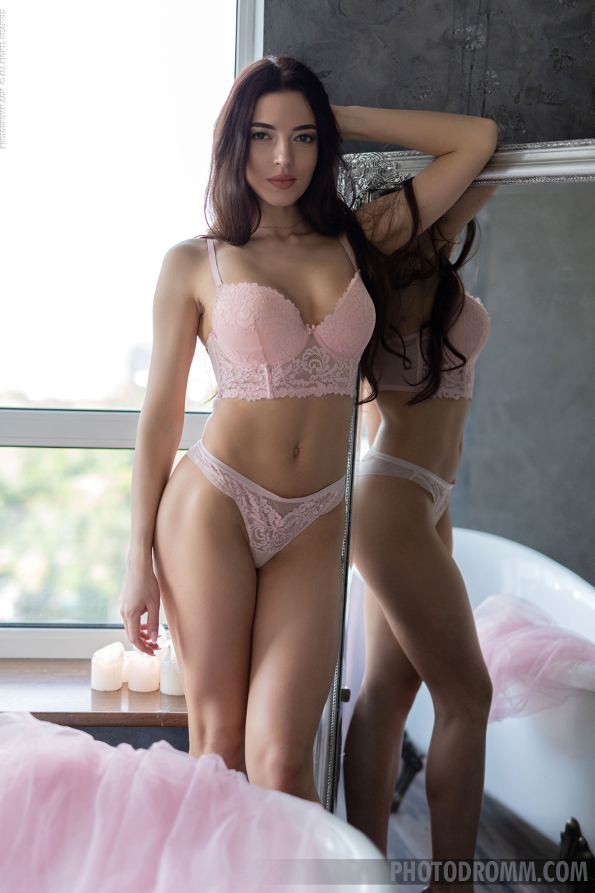 Rachel Perky Tits in Pink Bra and Panties for Photodromm