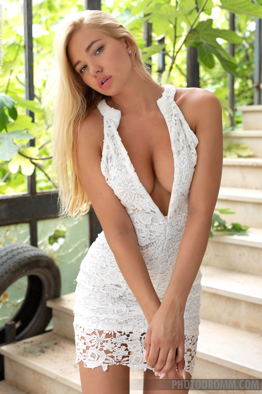 Fabiana Big Tits Blonde in White Minidress for Photodromm