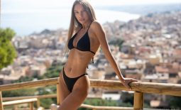Alina Big Tits in Black Bikini for Photodromm