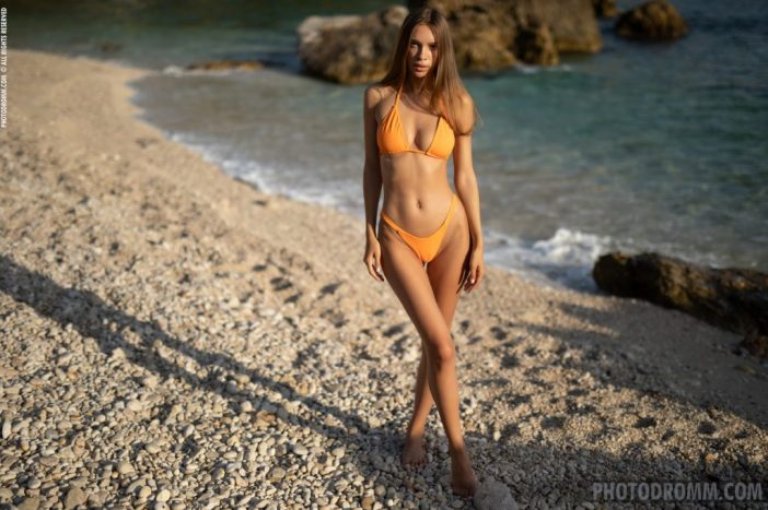 Alina Big Tits in Orange Bikini for Photodromm
