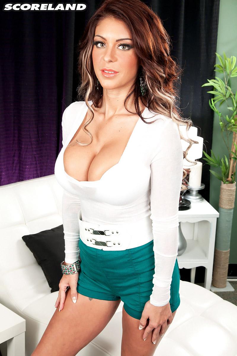 Brook Ultra Big Tits White Bra and Panties