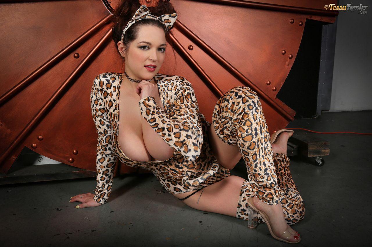 Tessa Fowler Big Tit Pussycat