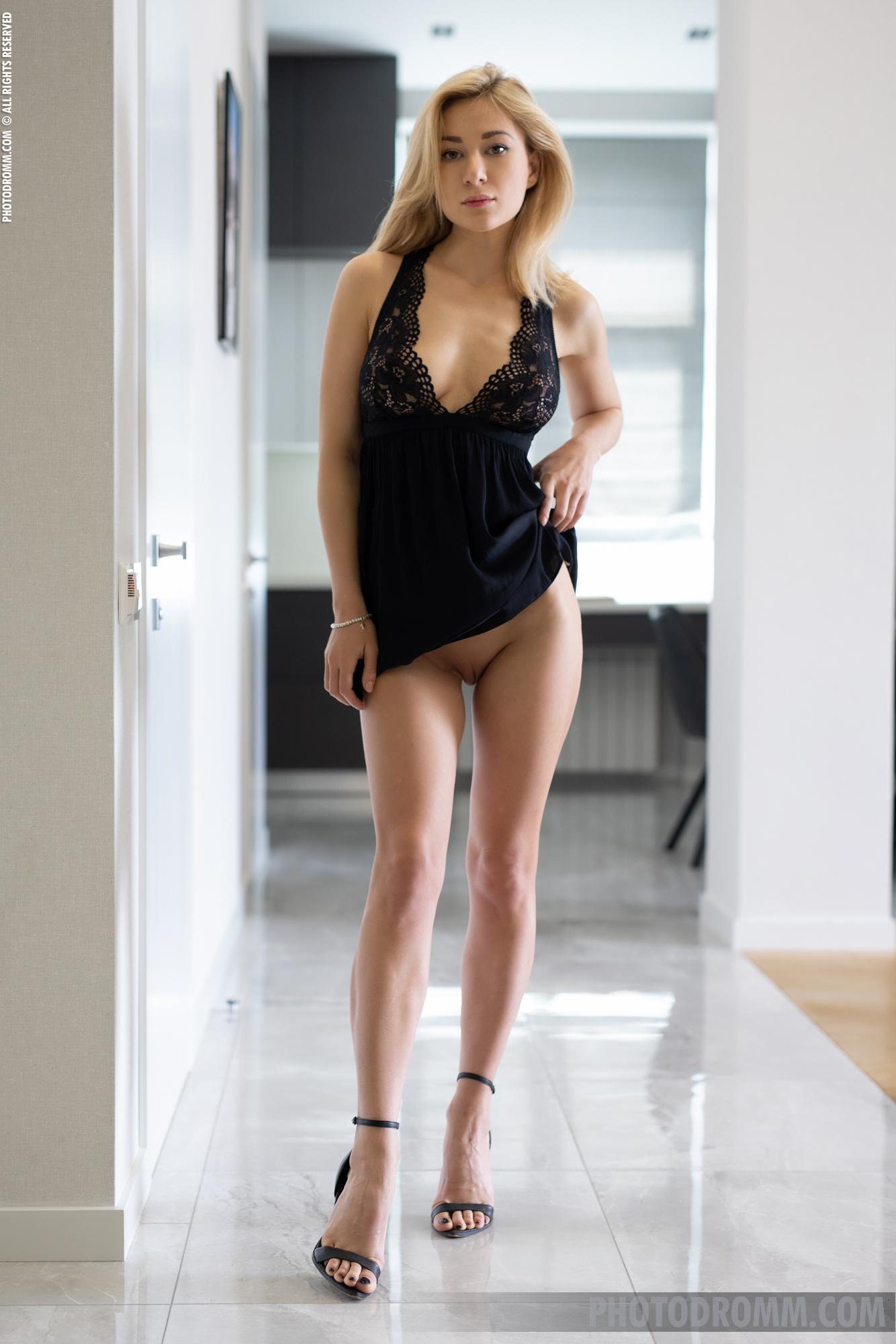 Darya Big Tits in Little Black Dress for Photodromm