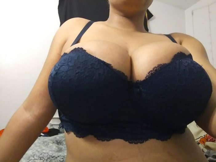 LearaLove Huge Tit Fun Girl