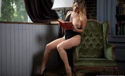 Sharona Big Tits reading a Book for Photodromm