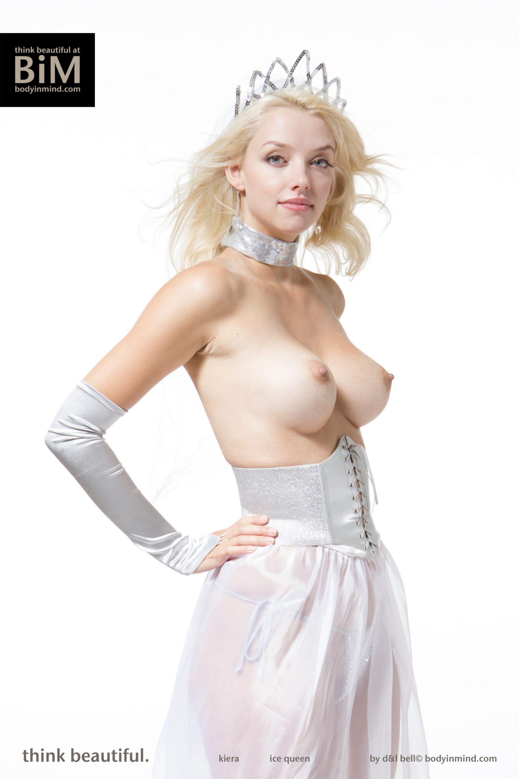 Kiera Big Tit Blonde Princess with Tiara for Body in Mind