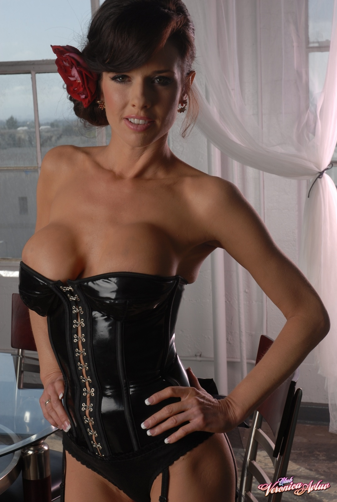 Veronica Avluv Big Tits in Shiny Black Corset and Fishnet Stockings