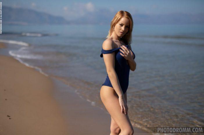 Brooke Big Tits Blue Swimsuit for Photodromm