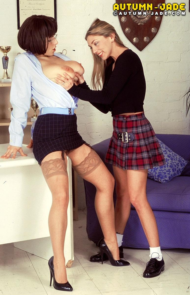 Chloe Vevrier Big Boob School Teacher Teaches Autumn Jade a Boob Lesson